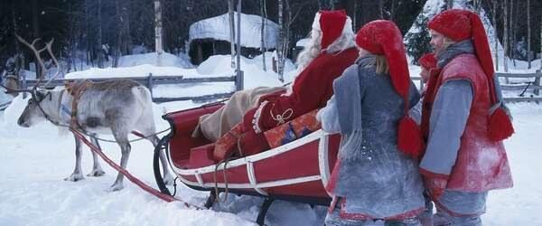 Photo: Kari Palsila / Visit Finland:サンタさんを手伝うトンットゥ達